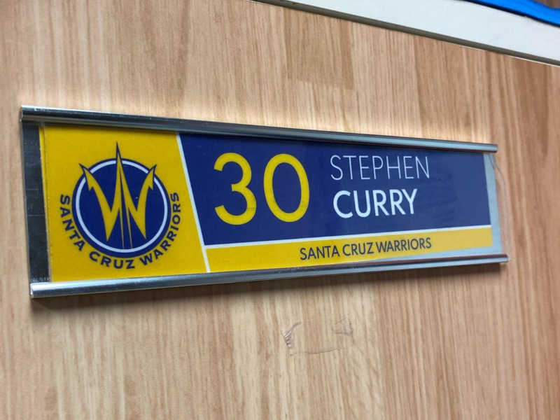 Steph Curry sign